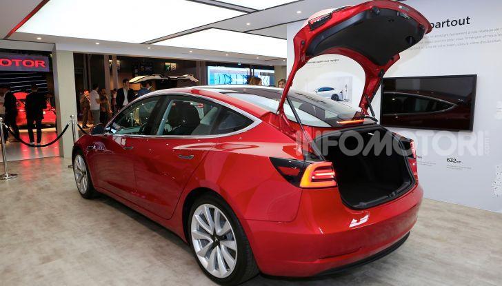Tesla, aggiornato il software 9 e la app - Foto 13 di 26