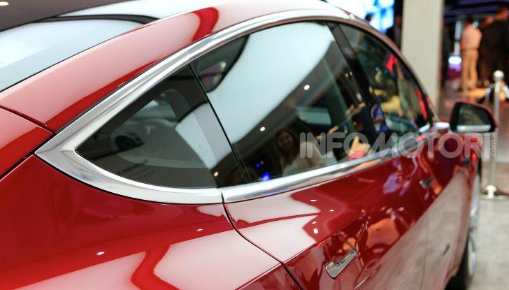 Tesla, aggiornato il software 9 e la app - Foto 15 di 26