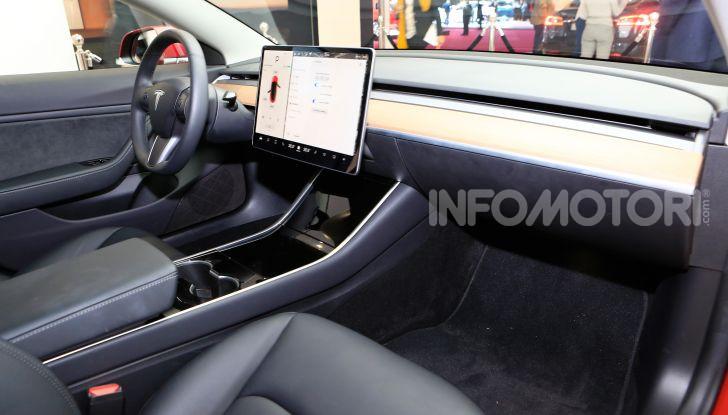 Tesla, aggiornato il software 9 e la app - Foto 16 di 26