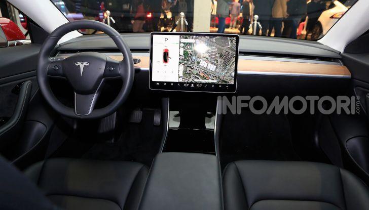 Tesla, aggiornato il software 9 e la app - Foto 18 di 26