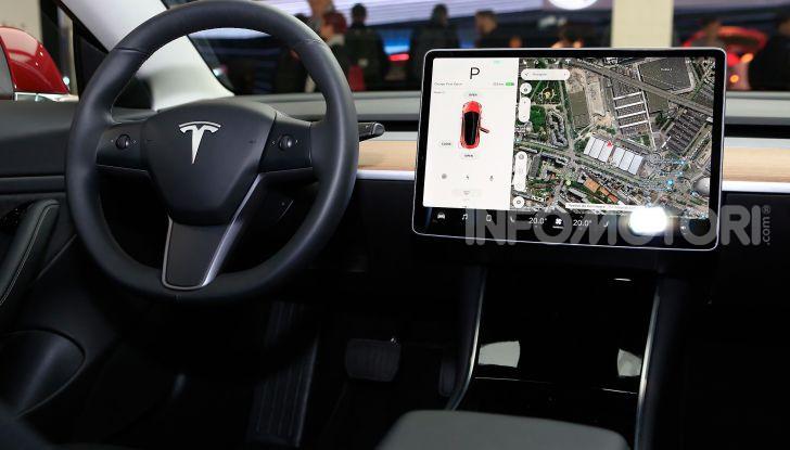 Tesla, aggiornato il software 9 e la app - Foto 19 di 26