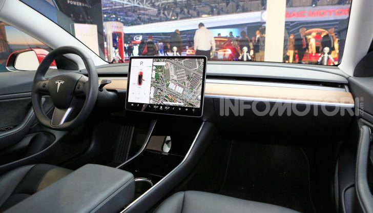 Tesla, aggiornato il software 9 e la app - Foto 20 di 26