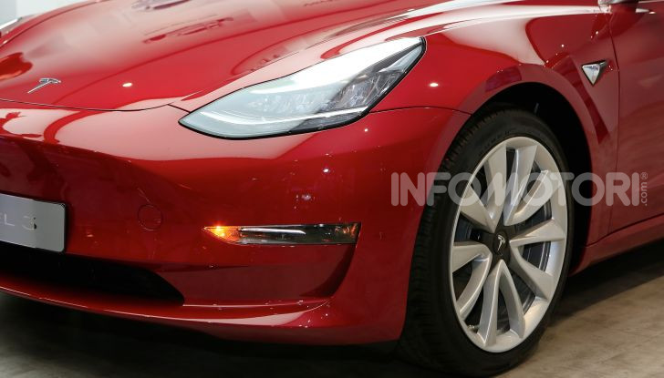 Tesla: Model S e Model X scontate del 30%, Model 3 a 35.000$ - Foto 3 di 26