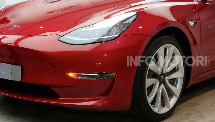 Tesla, aggiornato il software 9 e la app - Foto 3 di 26