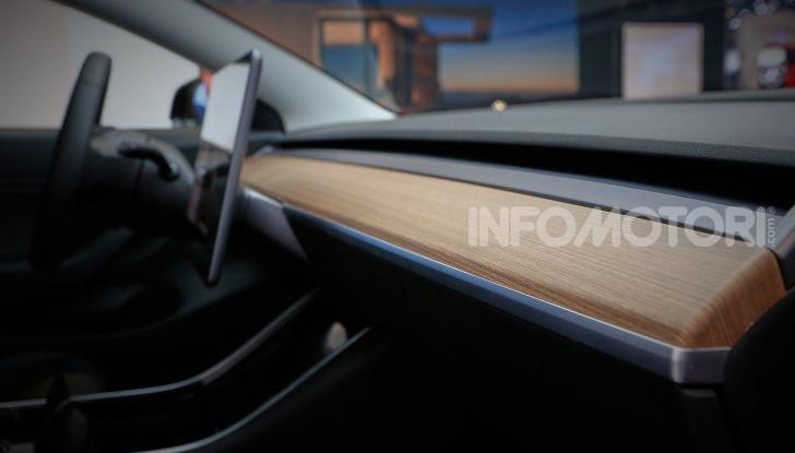 Tesla, aggiornato il software 9 e la app - Foto 22 di 26