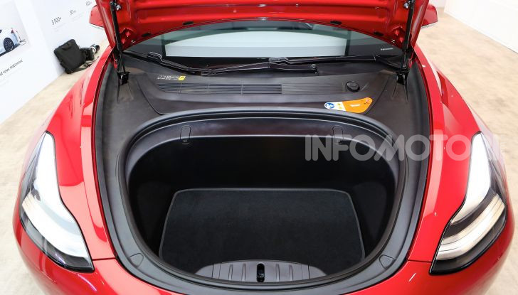 Tesla Model 3 é l'auto più venduta negli USA - Foto 25 di 26