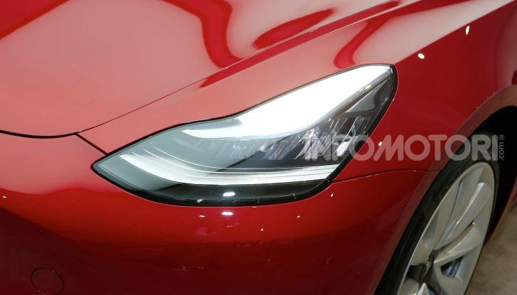 Tesla Model 3 diventa una consolle per videogame - Foto 22 di 23