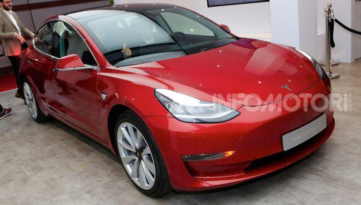 Tesla Model 3 diventa una consolle per videogame - Foto 21 di 23