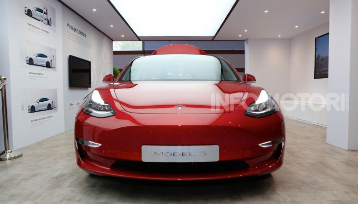 Tesla Model 3 diventa una consolle per videogame - Foto 20 di 23