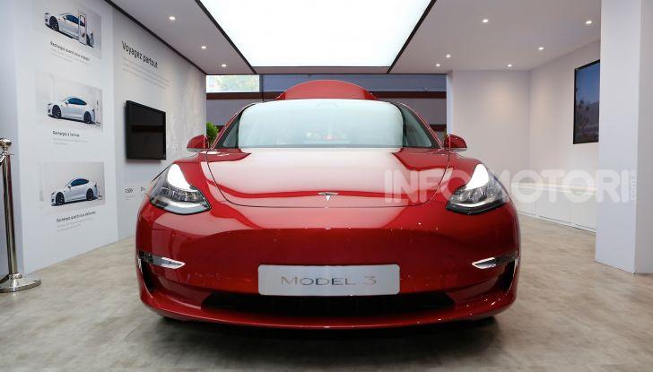 Tesla, aggiornato il software 9 e la app - Foto 10 di 26