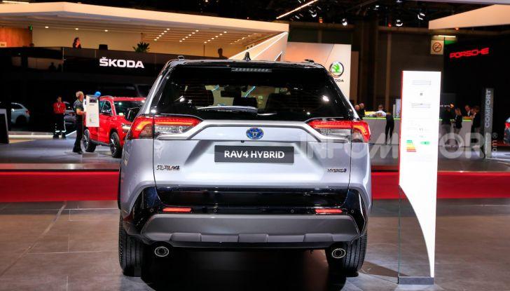 Toyota RAV4 2018, il SUV nipponico fa ritorno al fuoristrada - Foto 12 di 16