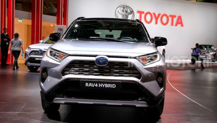 Toyota RAV4 2018, il SUV nipponico fa ritorno al fuoristrada - Foto 10 di 16