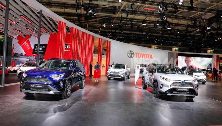 Toyota Hybrid Service: 10 anni di garanzia per l'ibrido giapponese - Foto 1 di 14