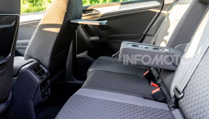 Prova Volkswagen Tiguan 2018: il SUV comodo, spazioso e veloce - Foto 30 di 38