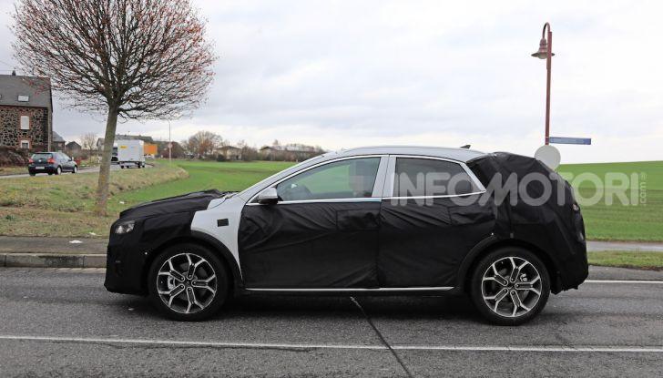 Kia Xceed: come sarà il nuovo mini SUV coreano - Foto 27 di 31