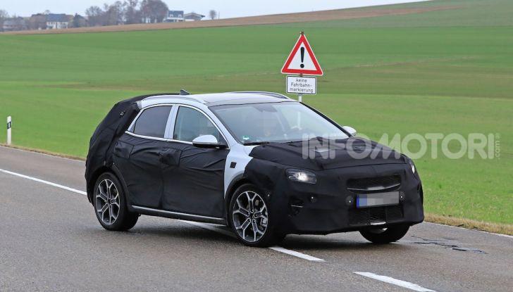 Kia Ceed SUV 2020: il terzo elemento tra Stonic e Sportage - Foto 17 di 30