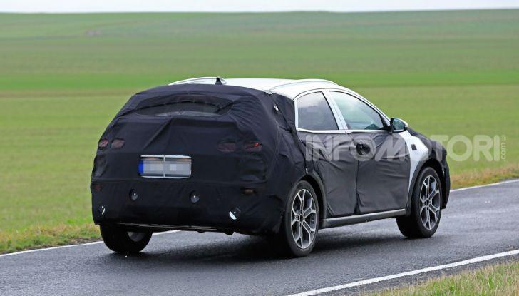 Kia Xceed: come sarà il nuovo mini SUV coreano - Foto 20 di 31