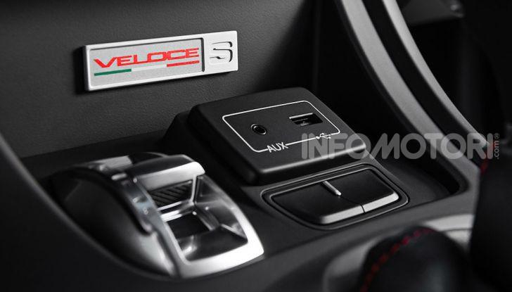 Alfa Romeo Giulietta Veloce S: solo 200 esemplari per i 240CV del biscione - Foto 5 di 10