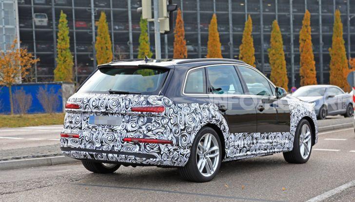 Audi Q7, primi test per la nuova generazione - Foto 26 di 28