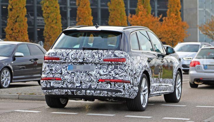 Audi Q7, primi test per la nuova generazione - Foto 24 di 28