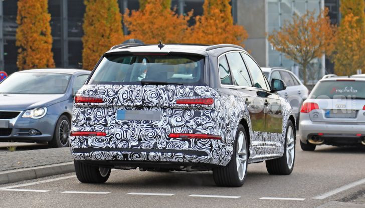 Audi Q7, primi test per la nuova generazione - Foto 15 di 28