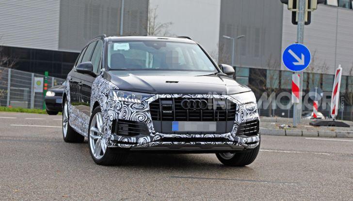 Audi Q7, primi test per la nuova generazione - Foto 19 di 28