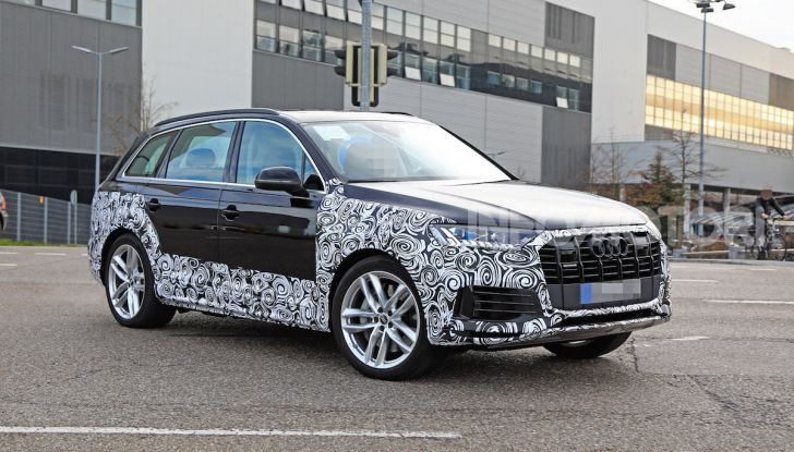 Audi Q7, primi test per la nuova generazione - Foto 14 di 28