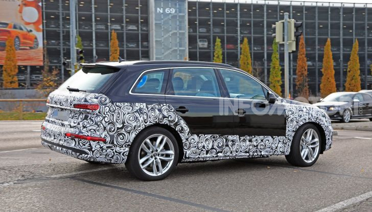 Audi Q7, primi test per la nuova generazione - Foto 25 di 28