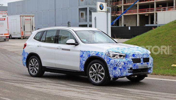 BMW iX3 2020: il SUV elettrico premium è Made in China - Foto 12 di 59
