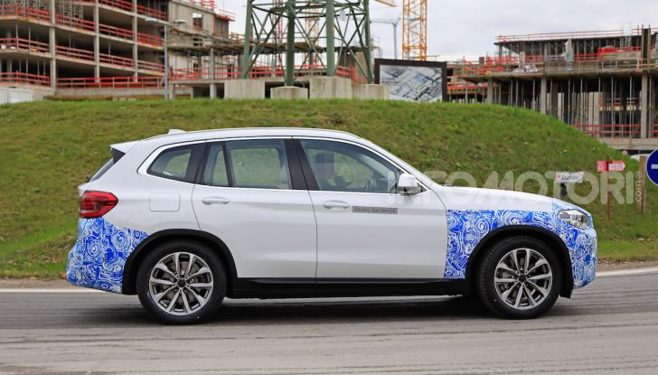 BMW iX3 2020: il SUV elettrico premium è Made in China - Foto 13 di 59