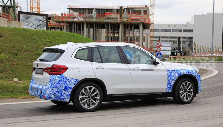 BMW iX3 2020: il SUV elettrico premium è Made in Cina - Foto 14 di 59