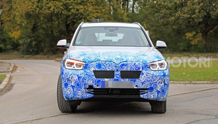 BMW iX3 2020: il SUV elettrico premium è Made in Cina - Foto 4 di 40