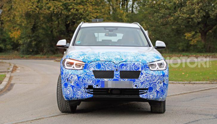 BMW iX3 2020: il SUV elettrico premium è Made in Cina - Foto 4 di 59