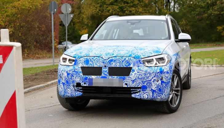 BMW iX3 2020: il SUV elettrico premium è Made in Cina - Foto 5 di 59