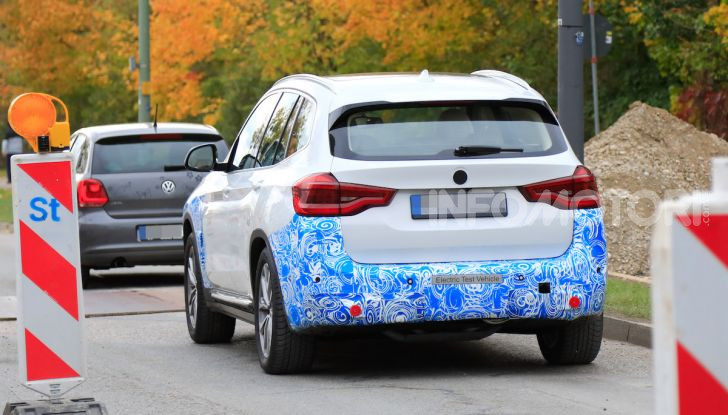 BMW iX3 2020: il SUV elettrico premium è Made in Cina - Foto 8 di 59