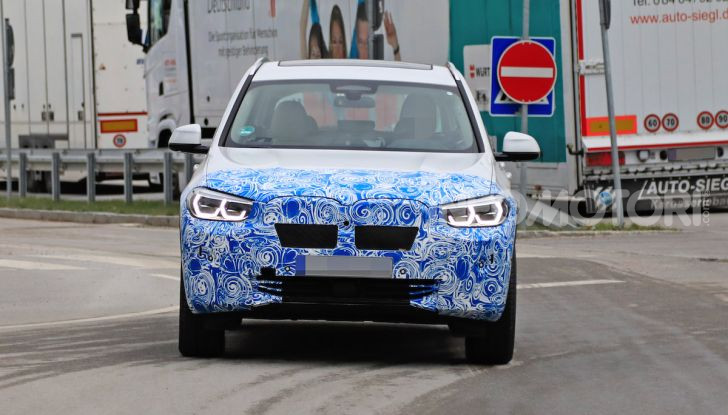 BMW iX3 2020: il SUV elettrico premium è Made in Cina - Foto 9 di 40