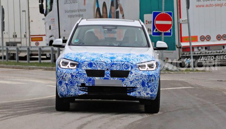 BMW iX3 2020: il SUV elettrico premium è Made in China - Foto 9 di 59