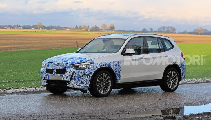BMW iX3 2020: il SUV elettrico premium è Made in Cina - Foto 28 di 59