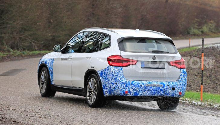BMW iX3 2020: il SUV elettrico premium è Made in Cina - Foto 32 di 40