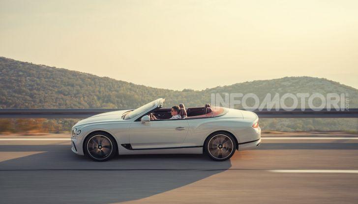 Bentley Continental GT Convertible 2019: lusso inglese allo scoperto - Foto 8 di 37