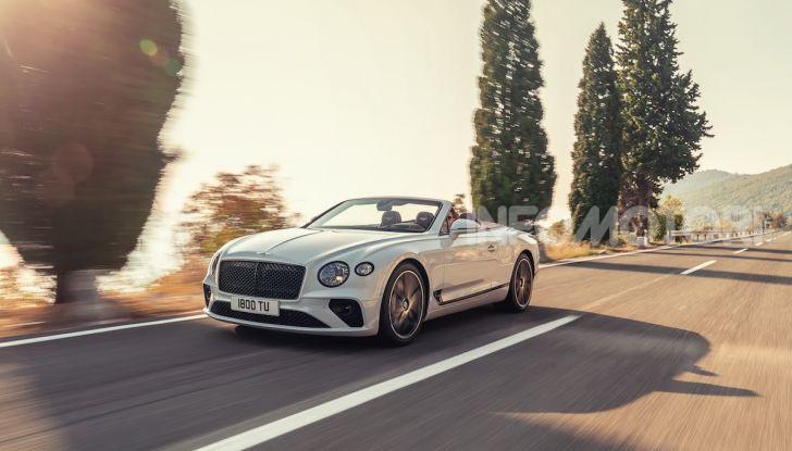 Bentley Continental GT Convertible 2019: lusso inglese allo scoperto - Foto 9 di 37