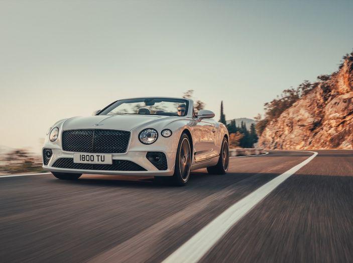 Bentley Continental GT Convertible 2019: lusso inglese allo scoperto