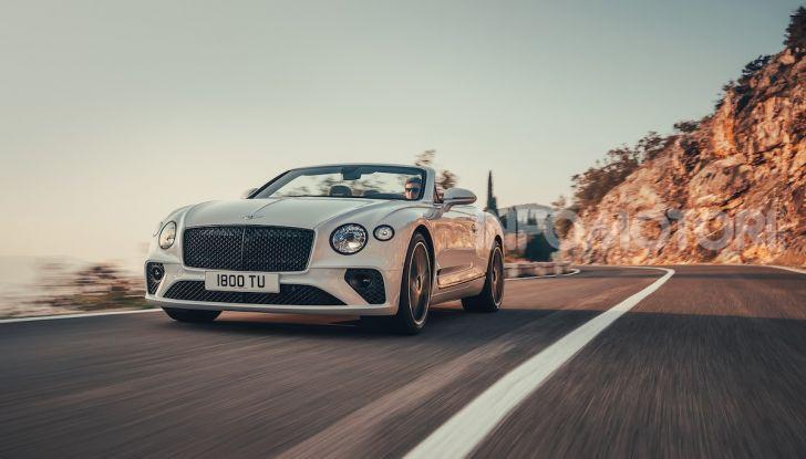 Bentley Continental GT Convertible 2019: lusso inglese allo scoperto - Foto 1 di 37