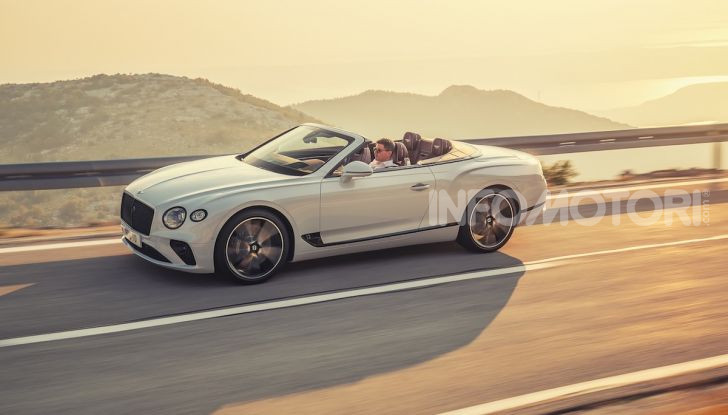 Bentley Continental GT Convertible 2019: lusso inglese allo scoperto - Foto 5 di 37