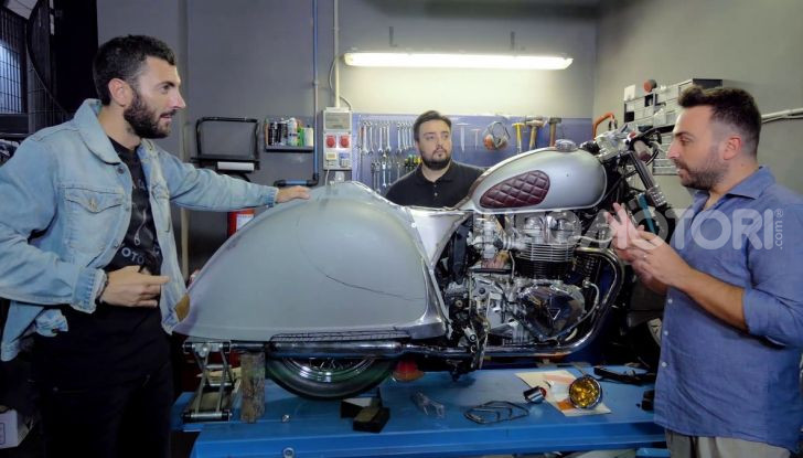 Charleston: la moto per i 70 anni della Citroen 2CV - Foto 35 di 36