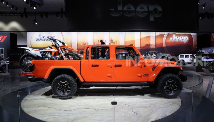 Jeep Gladiator, il primo pick-up di FCA presentato al Salone di Los Angeles - Foto 4 di 15