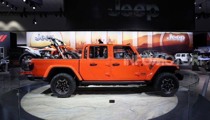 Jeep Gladiator, il primo pick-up di FCA presentato al Salone di Los Angeles - Foto 4 di 15