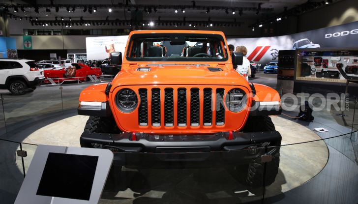 Jeep Gladiator, il primo pick-up di FCA presentato al Salone di Los Angeles - Foto 1 di 15