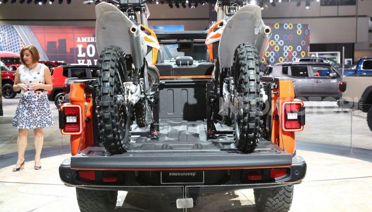 Jeep Gladiator, il primo pick-up di FCA presentato al Salone di Los Angeles - Foto 5 di 15