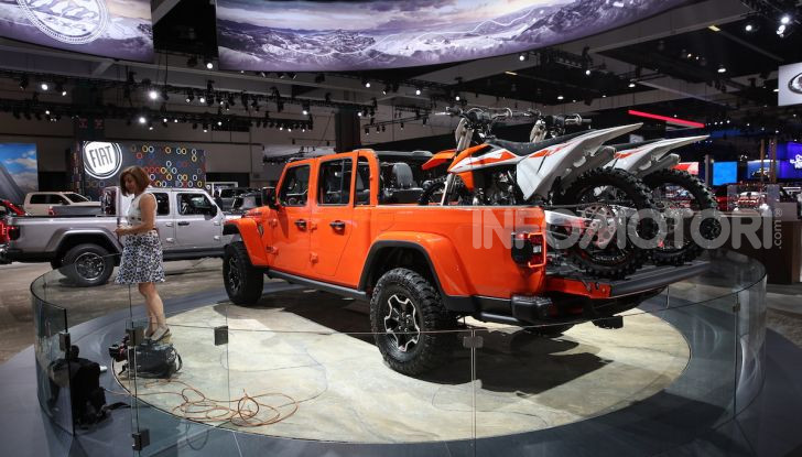 Jeep Gladiator, il primo pick-up di FCA presentato al Salone di Los Angeles - Foto 7 di 15